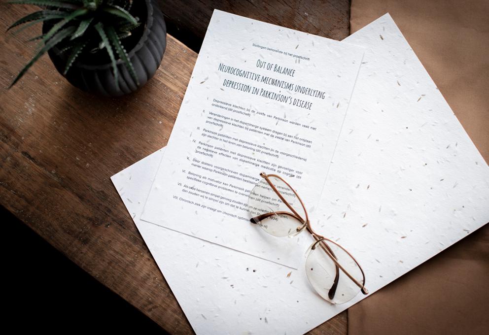 Groeipapier proefschrift stellingen ontwerp